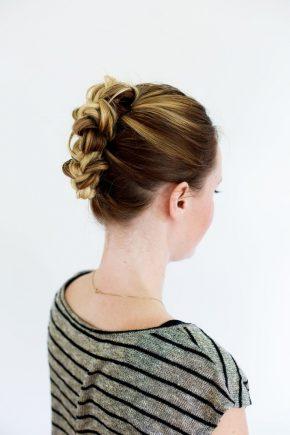Простая прическа на средние волосы