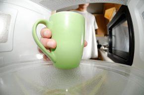 Как очистить микроволновую печь за 5 мин чтобы она блестела как новая