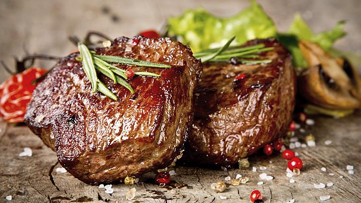 Как приготовить говядину, чтобы она была мягкой и сочной на сковороде