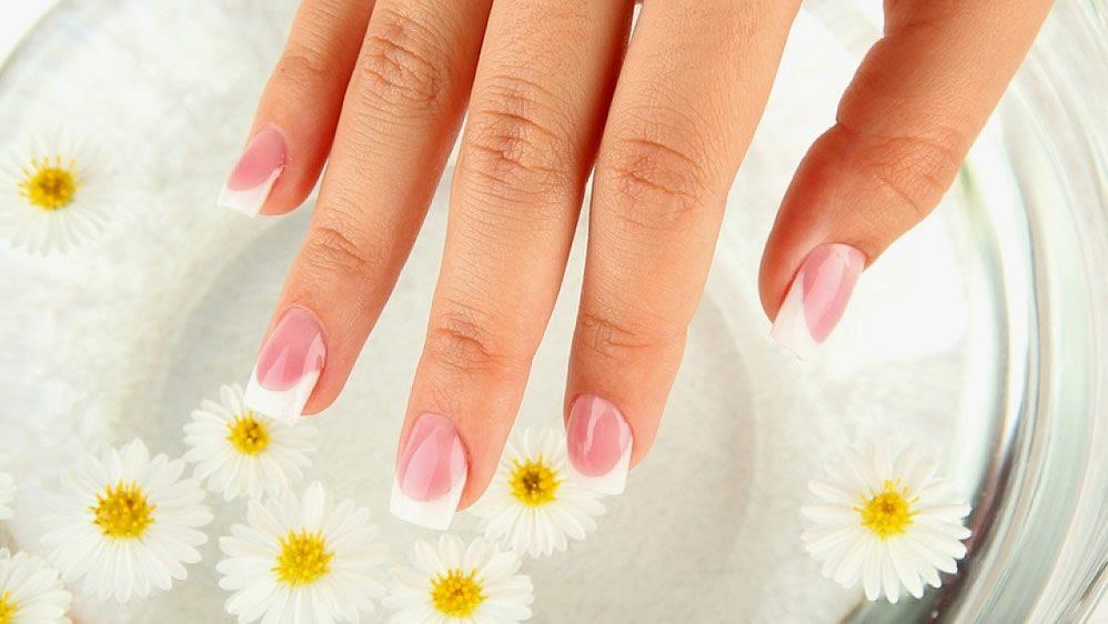 Как укрепить ногти чтобы не слоились и не ломались в домашних условиях