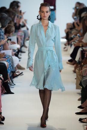 воздушное голубое платье