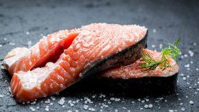 Самый простой способ засолить красную рыбу