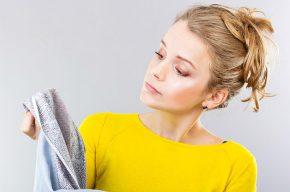 Простые способы удаления загрязнений с одежды