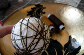 1 шар обматывается нитками