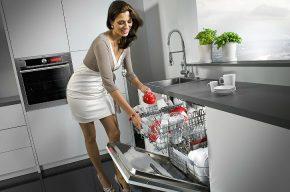 13 способов быстро и просто очистить посудомоечную машину