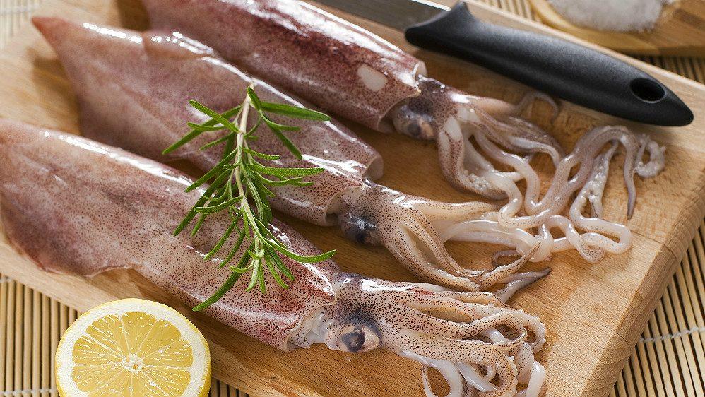 Как правильно приготовить кальмара: несколько способов варки